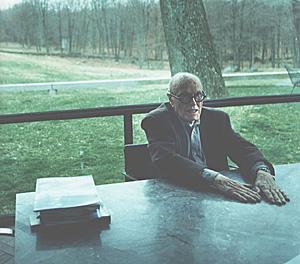 Porträtt på Philip Johnson